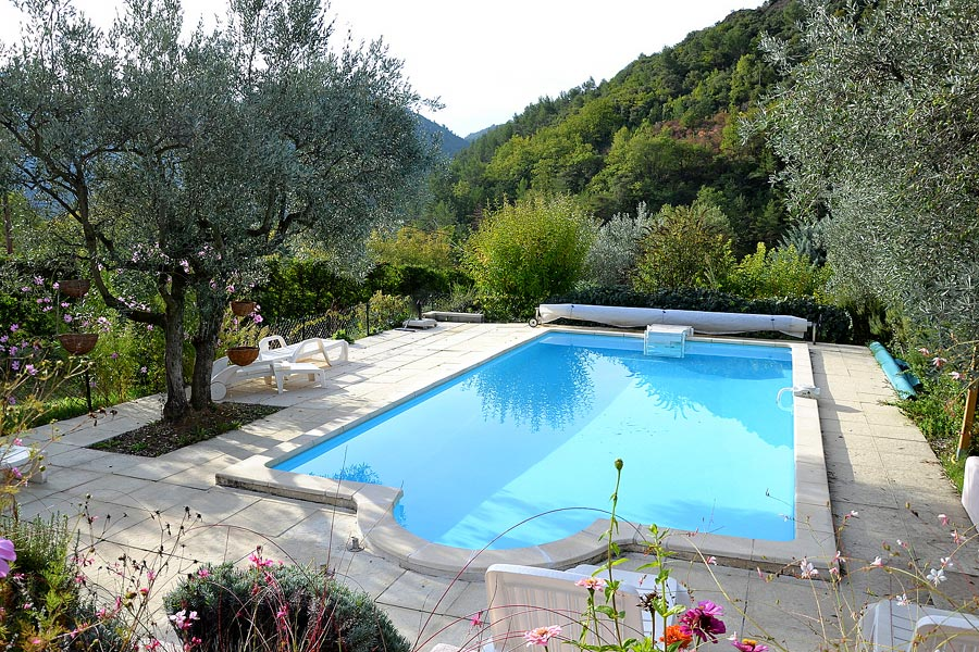 Location maison piscine ardeche villa lablachere 07 ard for Ardeche location vacances avec piscine